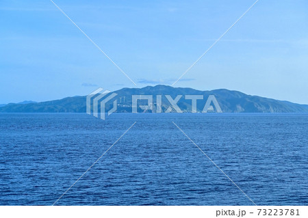 津軽海峡の船上から見た龍飛岬の情景@青森 73223781