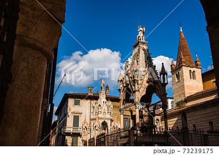 イタリア ヴェローナのスカリジェレ家の霊廟 73239175