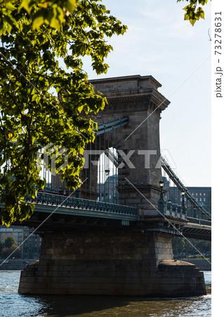 ハンガリー ブダペストのセーチェーニ鎖橋 73278631