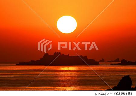 軍艦島の夕景 73296393