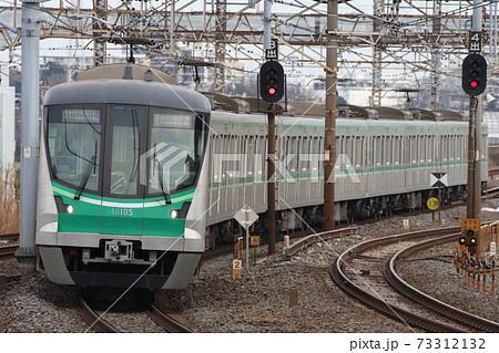 【東京メトロ・千代田線】常磐緩行線の金町駅に入る16000系1次車 73312132