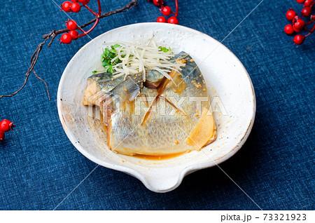 和食の定番「サバ(さば、鯖)の味噌煮」。 73321923
