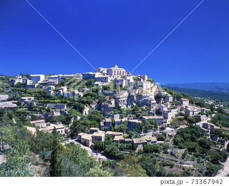 フランス 丘の上にゴルドーの街並み 73367942