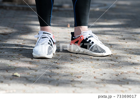 スニーカー・ランニング・ジョギングイメージ 73369017