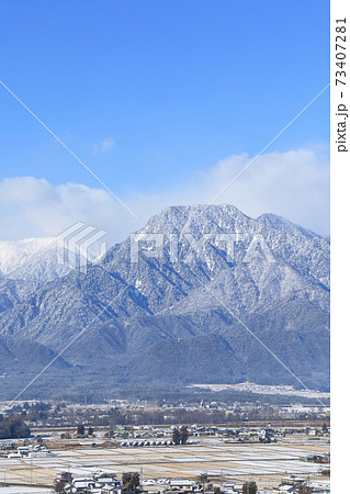 冬の安曇野と北アルプス 73407281
