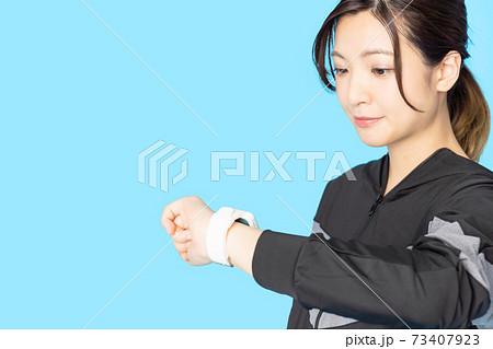 スマートウォッチ 活動量計 腕時計 73407923
