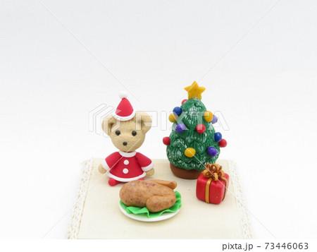 粘土で作ったミニチュアクリスマス飾り 73446063