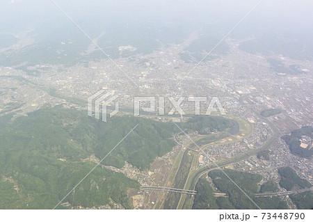 空から見た広島県福山市と芦田川、山陽自動車道 73448790