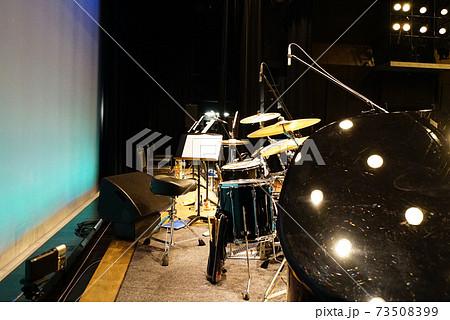 ビッグバンドジャズオーケストラ ステージ 73508399