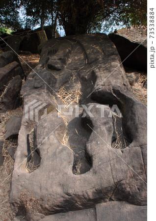 ワニの型石1 (ワット・プー寺院) 73538884