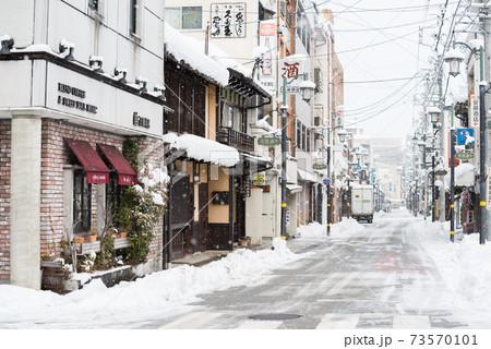 【飛騨高山】冬の街並み、花里通り 73570101