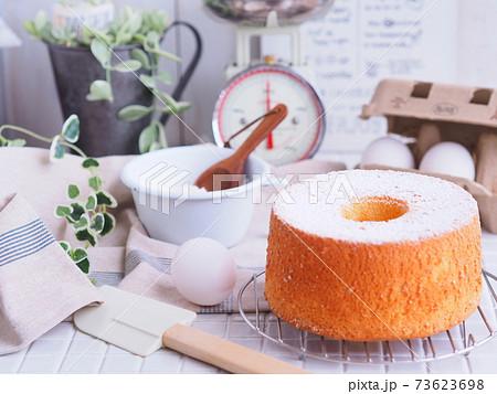 シフォンケーキ クッキング素材 73623698