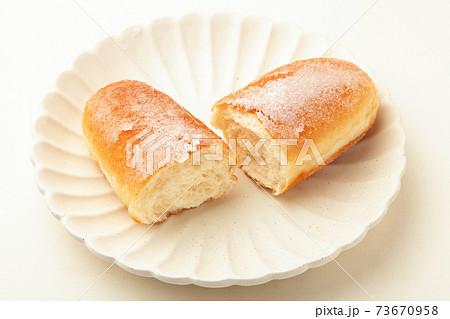 揚げパン 73670958