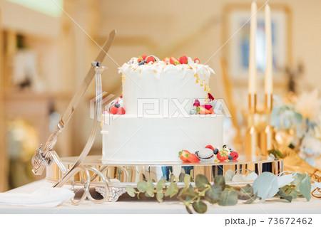 結婚式 ウェディングケーキ 73672462