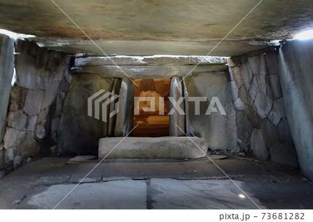 八幡山古墳石室の中室(関東の石舞台)/埼玉県行田市 73681282