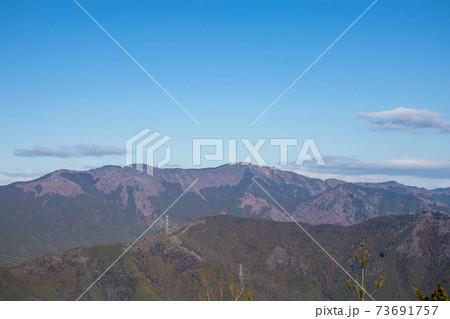 妙見山、山頂から千ヶ峰方面を見る(兵庫県多可郡多可町)※作品コメント欄に撮影位置 73691757