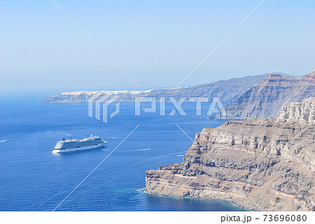 【ギリシャ】サントリーニ島からのエーゲ海 73696080
