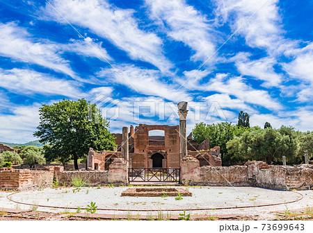 世界遺産 ヴィッラ・アドリアーナ (ティヴォリ) イタリア 73699643