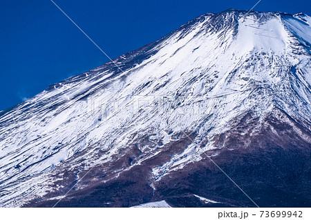 《山梨県》冬の富士山・山中湖パノラマ台より 73699942