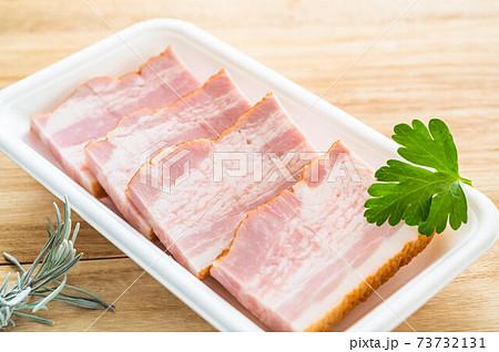 焼き肉用厚切りベーコン 73732131