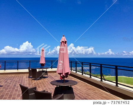 宮古ブルーの海を一望できる開放感あふれるテラス 73767452