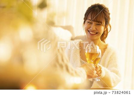 家飲み 宅飲み 白ワイン 73824061