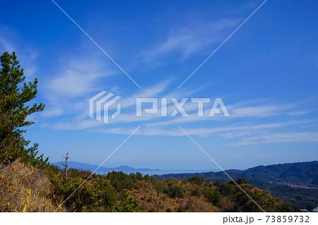 冬空 山並み(香川県さぬき市より撮影) 73859732