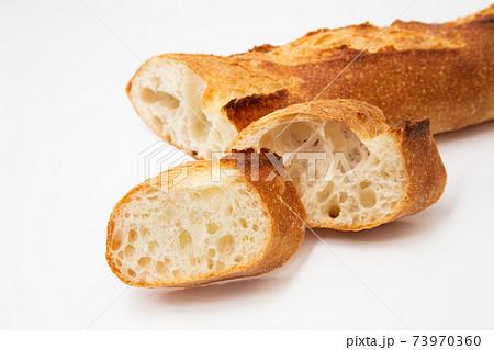 バゲット フランスパン 73970360