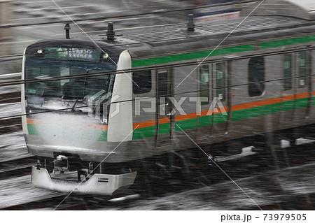 [JU]降雪の高崎線E233系(東海道線直通) 73979505