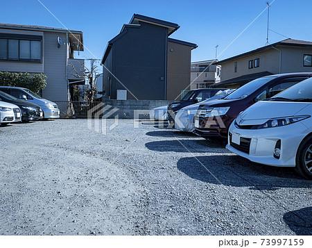 土地の有効活用で月極めの駐車場を経営 73997159