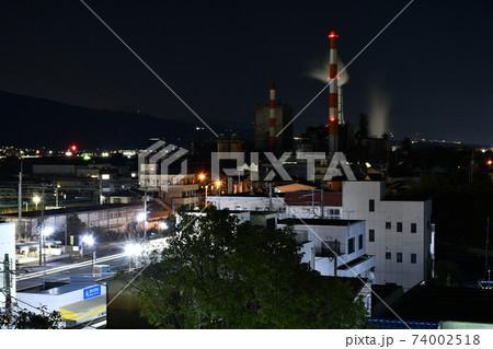 静岡県富士市の鈴川港公園から見た工場夜景 74002518