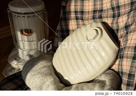 湯たんぽ ストーブ 暖房 冬 74010928