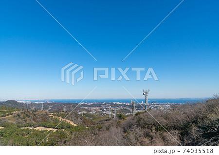 大楠山の展望塔から見た景色(横浜方面) 74035518