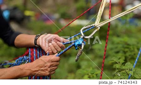 ダブルロープによるマルチピッチクライミングの支点構築 74124343