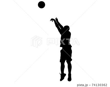 スリーポイントシュートを打つバスケットボール選手のシルエット_2 74130362