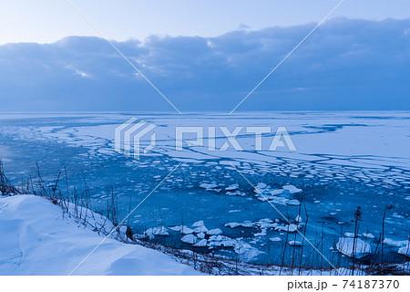 能取岬からの流氷 74187370