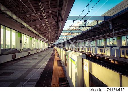 東京、都営新宿線 東大島駅構内 74188655