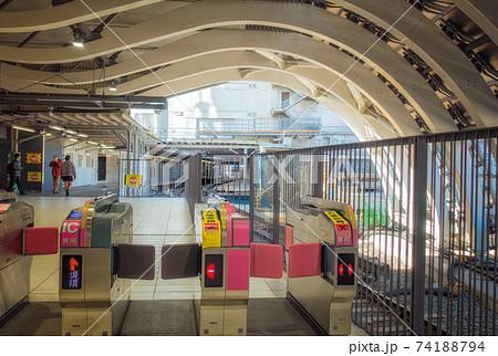 東京メトロ銀座線渋谷駅の改札(新駅舎) 74188794