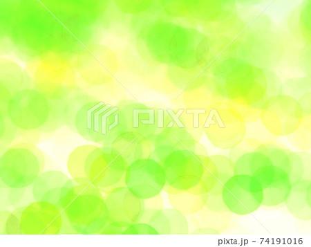 滲んだ緑色の円がランダムに散らばる抽象イメージ 74191016