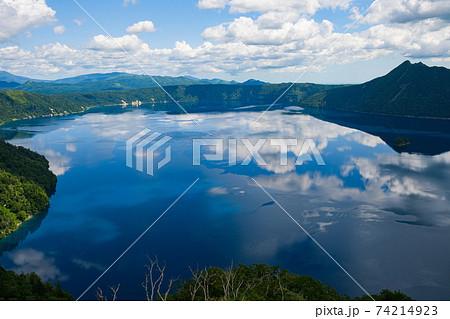 北海道 摩周湖第三展望台からの摩周湖 74214923