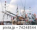 イカ釣り漁船 74248544