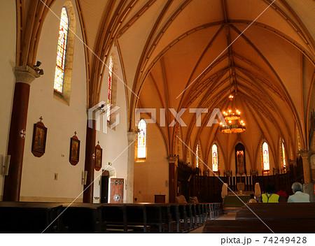 ヌーメアのサンジョゼフ大聖堂内部 74249428