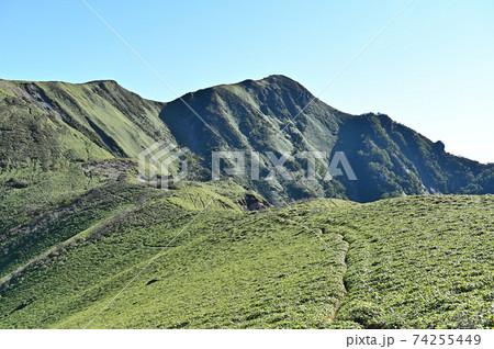 四国で最も美しい山「三嶺」の雄姿 74255449