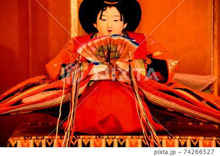 女の子の健やかな成長と幸せを願うひな祭り 女雛 74266527