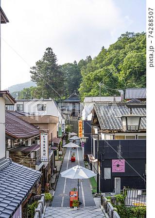 夏の別所温泉 北向観音参道(上田市) 74288507