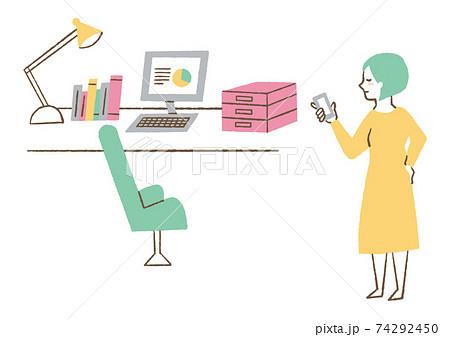自宅で仕事をする女性 74292450