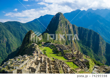 ペルーのマチュピチュ遺跡 74295598