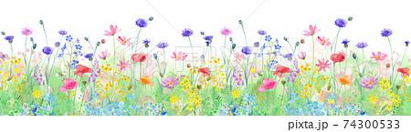 色々な花が咲き乱れる、春の野原の水彩イラスト。横方向シームレスパターン。パノラマ。 74300533