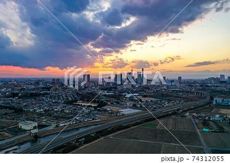 「埼玉県」見沼田んぼの空撮 夕景 74312055