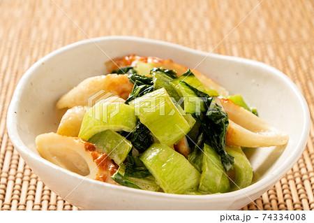 チンゲンサイとちくわの炒め物(醤油マヨネーズ炒め)。 74334008